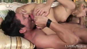 Blonde Skinny Beauty Lindsey Meadows Gives Wet BJ To Hung Aaron Wilcoxxx!